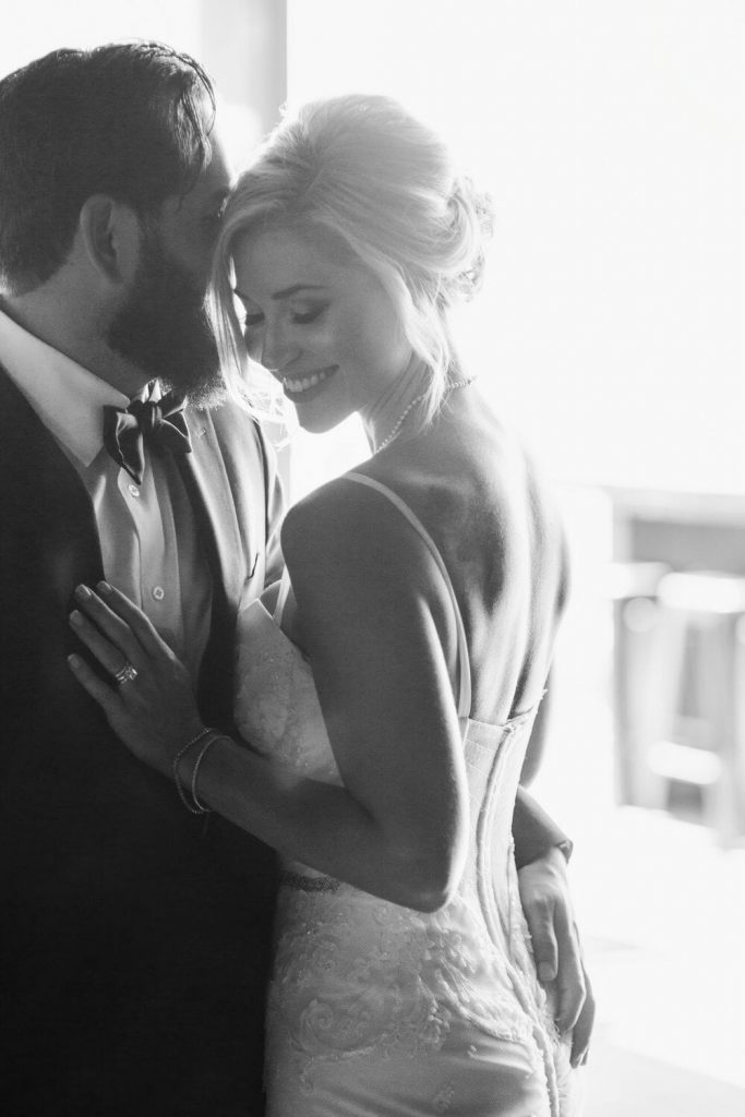 wedding-photographer-chihuly-garden-glass-seattle-lindsay-daniel-160_lndd6022