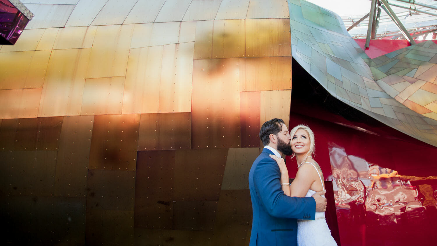 wedding-photographer-chihuly-garden-glass-seattle-lindsay-daniel-320_lndd1561