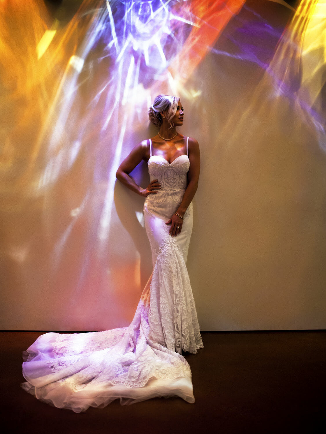 wedding-photographer-chihuly-garden-glass-seattle-lindsay-daniel-430_lndd6040