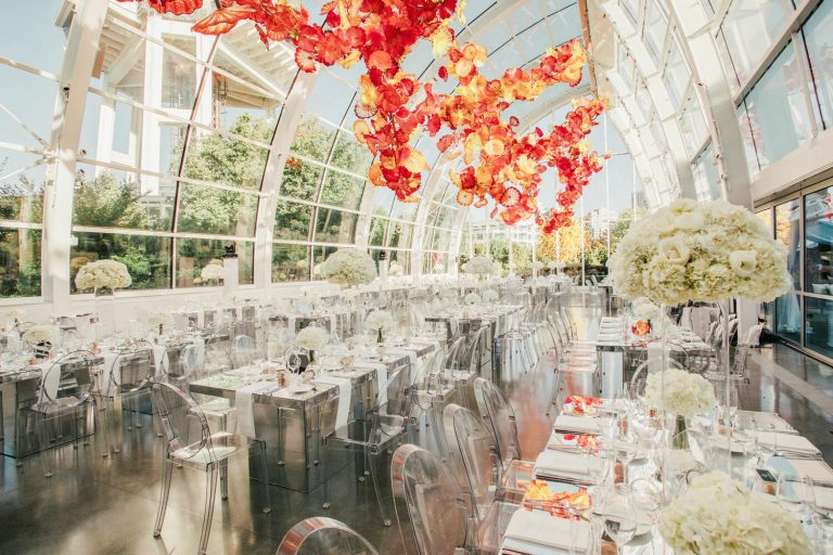 wedding-photographer-chihuly-garden-glass-seattle-lindsay-daniel-580_lndd6047