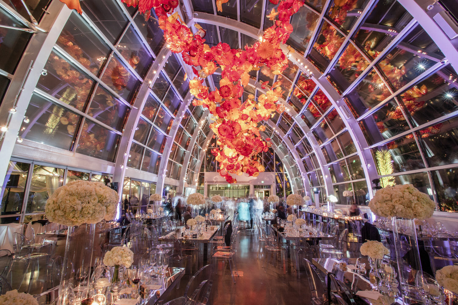 wedding-photographer-chihuly-garden-glass-seattle-lindsay-daniel-830_lndd6071