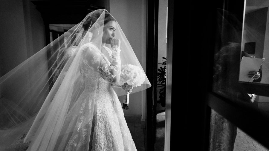 maria-emotional-moments-before-walking-down-the-aisle-wedding-mzef1493.jpg