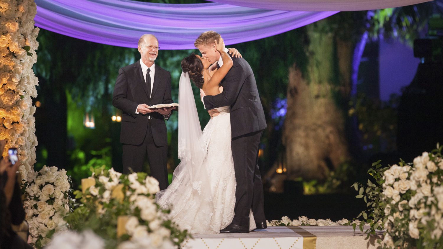 wedding-abc-bachelor-sean-lowe-catherine-guidici-johnandjoseph153.jpg