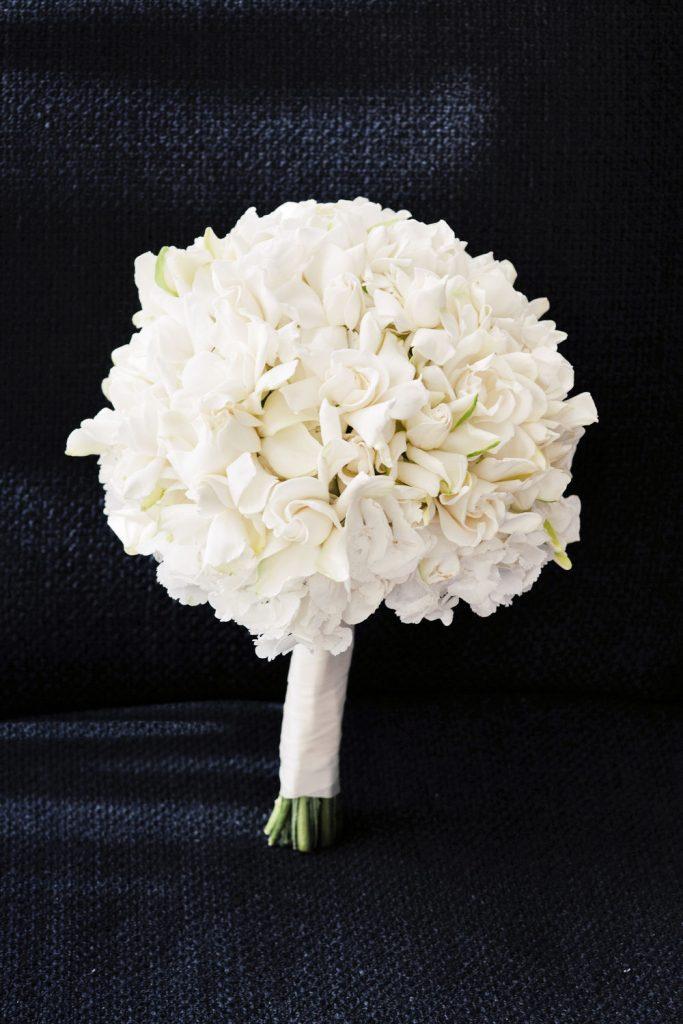 wedding-photographer-chihuly-garden-glass-seattle-lindsay-daniel-040_lndd6011.jpg