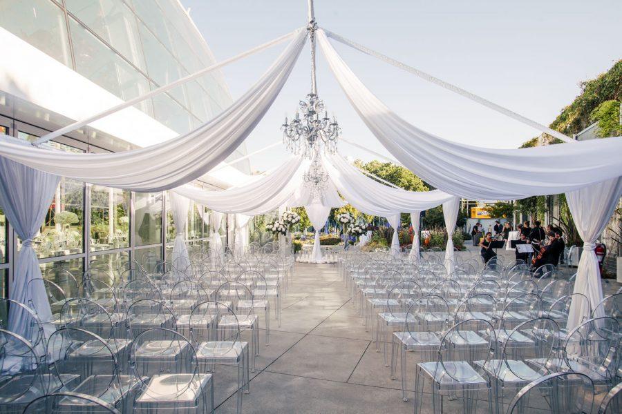 wedding-photographer-chihuly-garden-glass-seattle-lindsay-daniel-060_lndd6004.jpg
