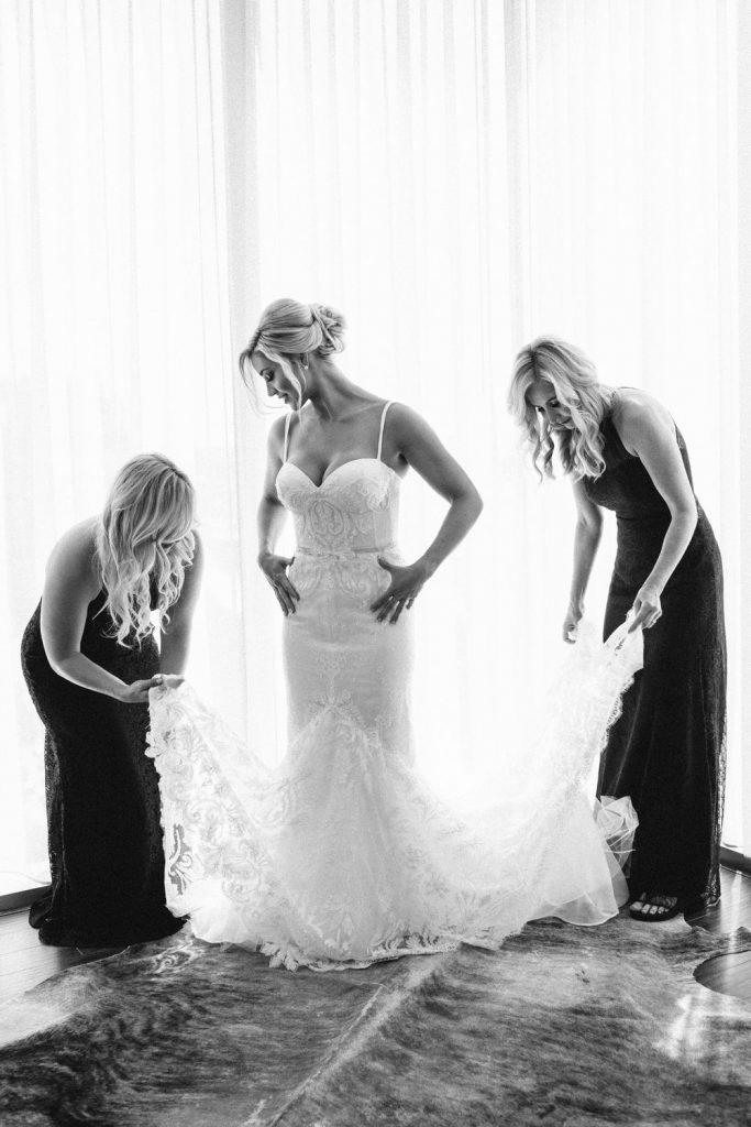 wedding-photographer-chihuly-garden-glass-seattle-lindsay-daniel-090_lndd6013.jpg