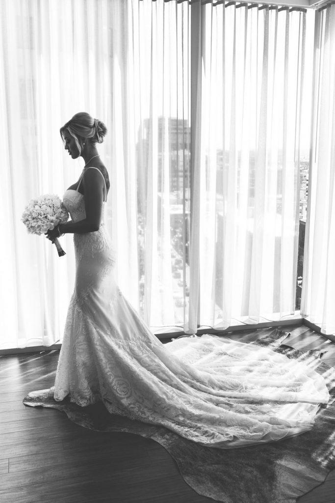wedding-photographer-chihuly-garden-glass-seattle-lindsay-daniel-140_lndd6016.jpg