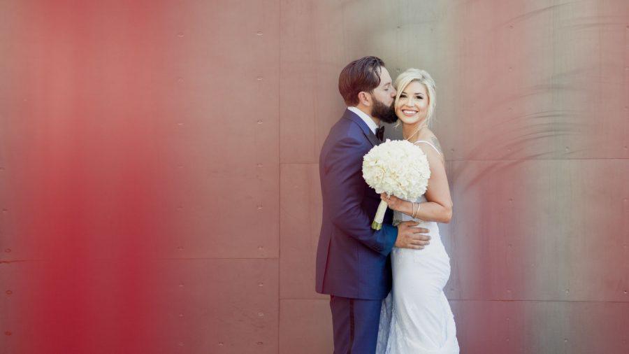 wedding-photographer-chihuly-garden-glass-seattle-lindsay-daniel-260_lndd1527.jpg