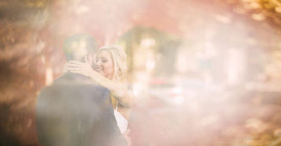 wedding-photographer-chihuly-garden-glass-seattle-lindsay-daniel-310_lndd1558.jpg
