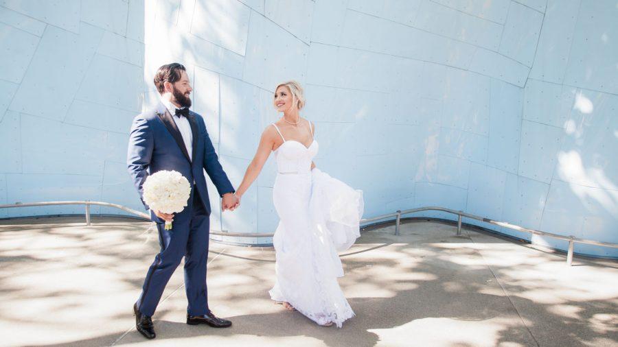wedding-photographer-chihuly-garden-glass-seattle-lindsay-daniel-370_lndd1587.jpg