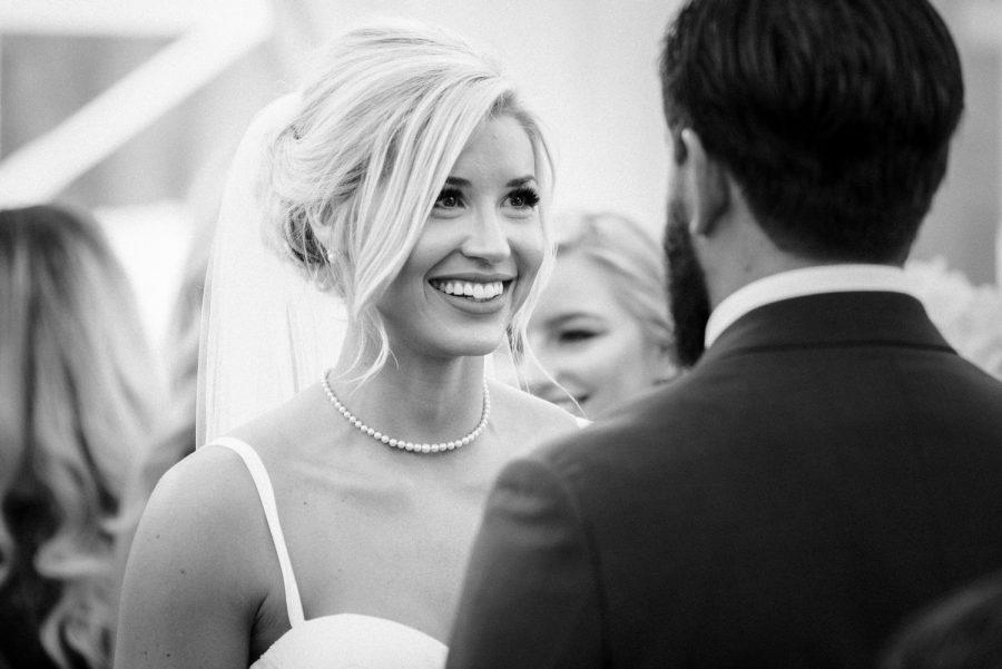 wedding-photographer-chihuly-garden-glass-seattle-lindsay-daniel-460_lndd1801.jpg
