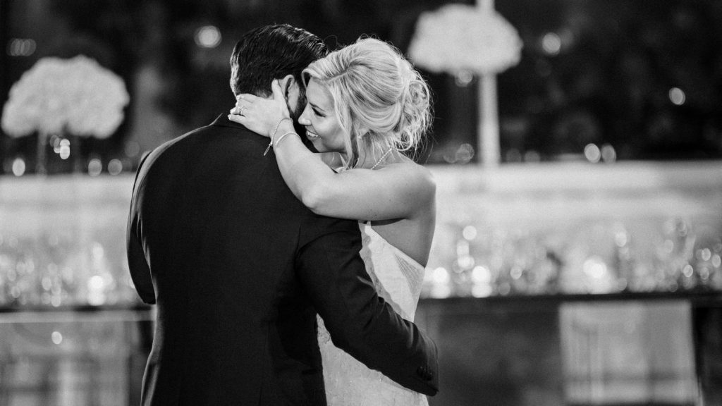 wedding-photographer-chihuly-garden-glass-seattle-lindsay-daniel-680_lndd2271.jpg