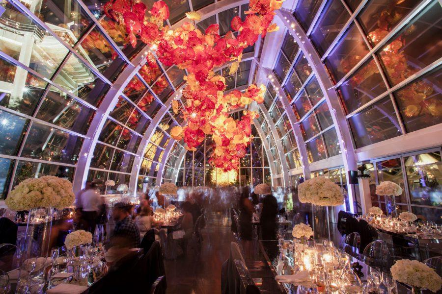 wedding-photographer-chihuly-garden-glass-seattle-lindsay-daniel-810_lndd2451.jpg