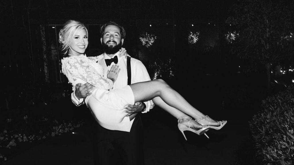 wedding-photographer-chihuly-garden-glass-seattle-lindsay-daniel-900_lndd6072.jpg